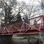 Travaux Pont Eiffel : Pose des garde-corps.