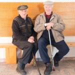 Cérémonie des voeux : Les anciens en pleine conversation.
