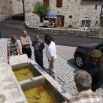 Conseil Municipal de Javols devant la fontaine au Cros.