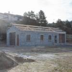 Realisation de la charpente des garages communaux à Javols en Lozère.