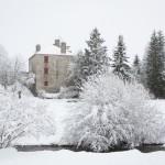 Château du Barry sous la neige à Javols en Lozère.