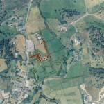 Vue aerienne du site archéologique avec les axes en surimpression. Image Navecth Architectes/Atelier Extra-Muros